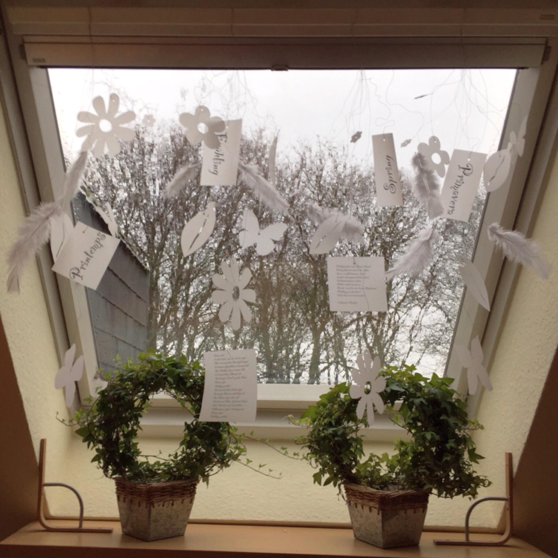 Springtime in White – oder – Am Fenster hängt der Frühling am Draht