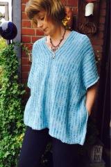 Türkis und Blau, ein Poncho für den Sommer – oder – Santorini, ich komme,…farblich passend