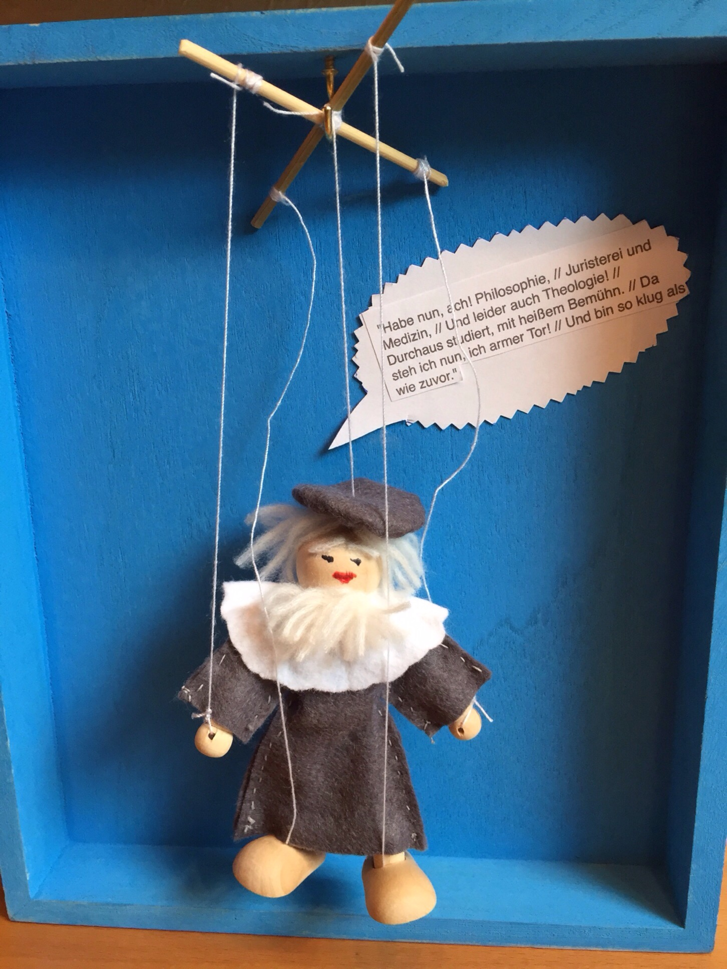 Heute lasse ich die Puppe tanzen – oder – Ein Gutschein namens Faust