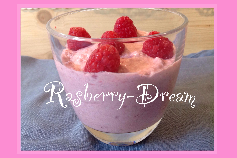 Rasberry-Dream-Dessert – oder – Ich schenke euch zum 3. Geburtstag von Lilamalerie ein Dessert-Träumchen