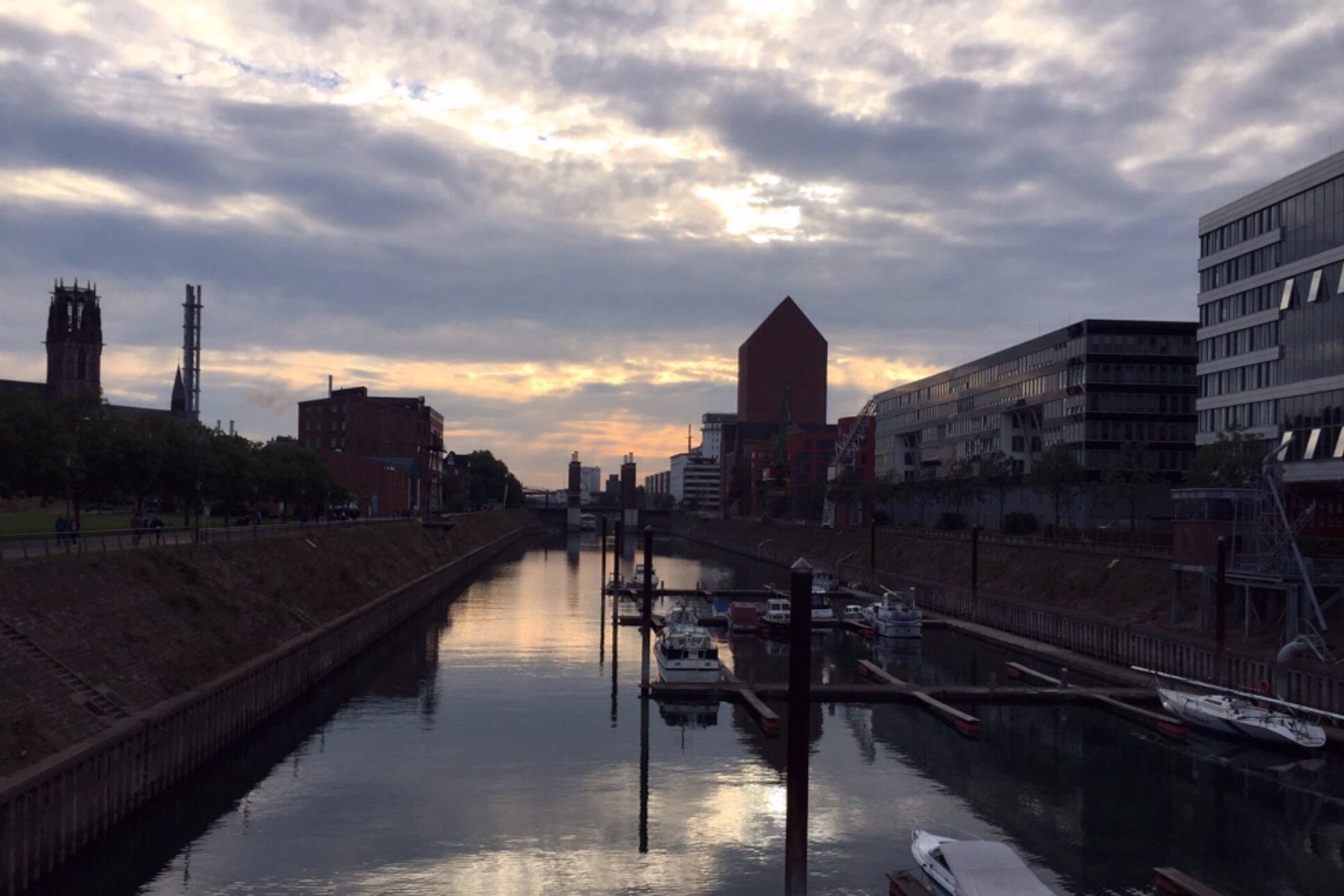 Mein Photo der Woche #53 – oder – Fast einäugig im Duisburger Innenhafen