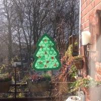Der Weihnachtsbaum für's Fenster - oder - Bastelidee für kleine Leute