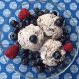 So cremig, so lecker: Blaubeer-Eis – oder – Blueberry-Dream