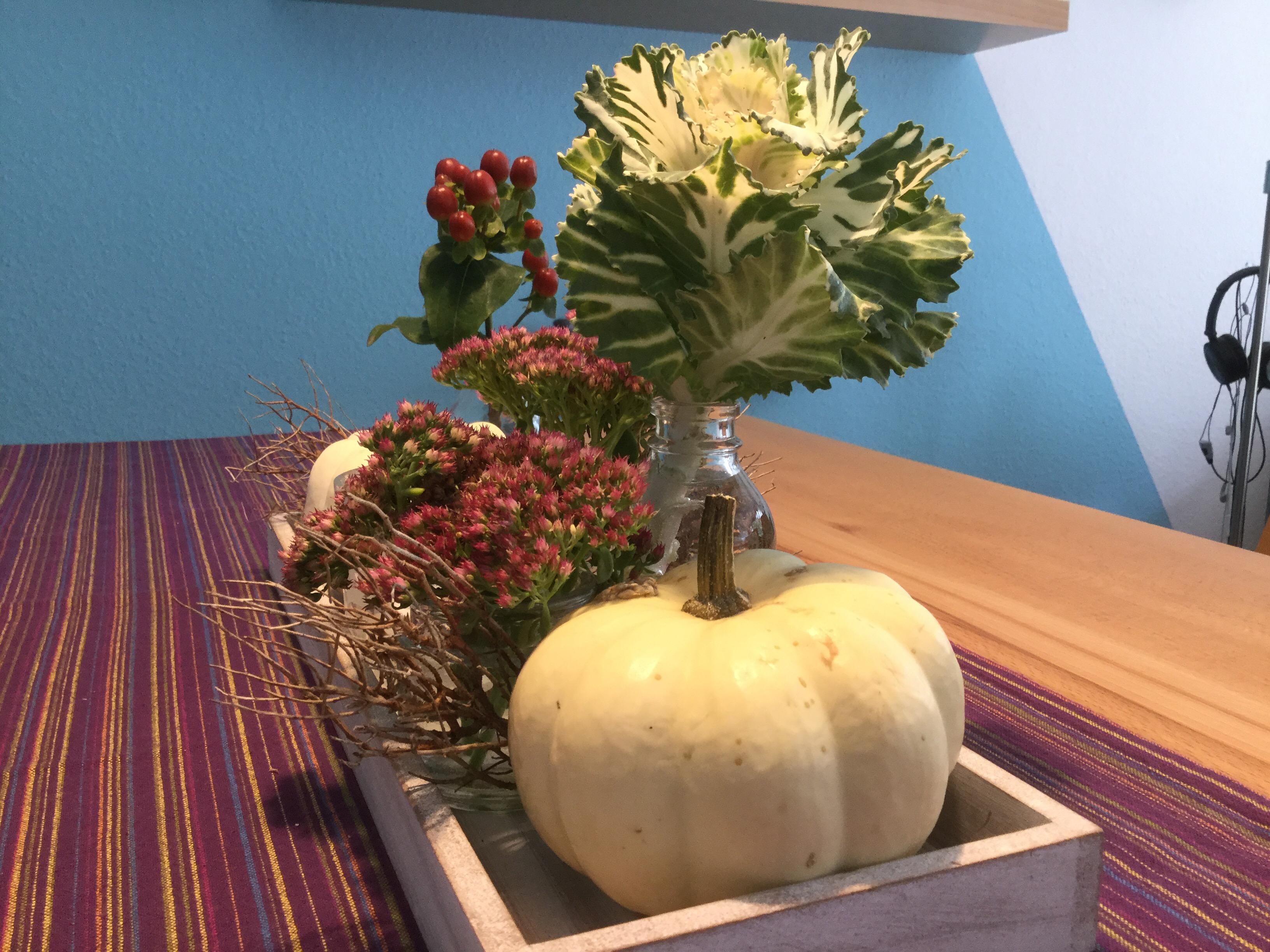 Friday-Flowerday – oder – Herbst auf dem Tablett