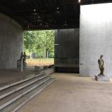 One hour away only – oder – Das Lehmbruck-Museum inDuisburg