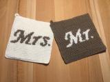 Topflappen für Mrs. & Mr. – oder Gehäkeltes zurHochzeit