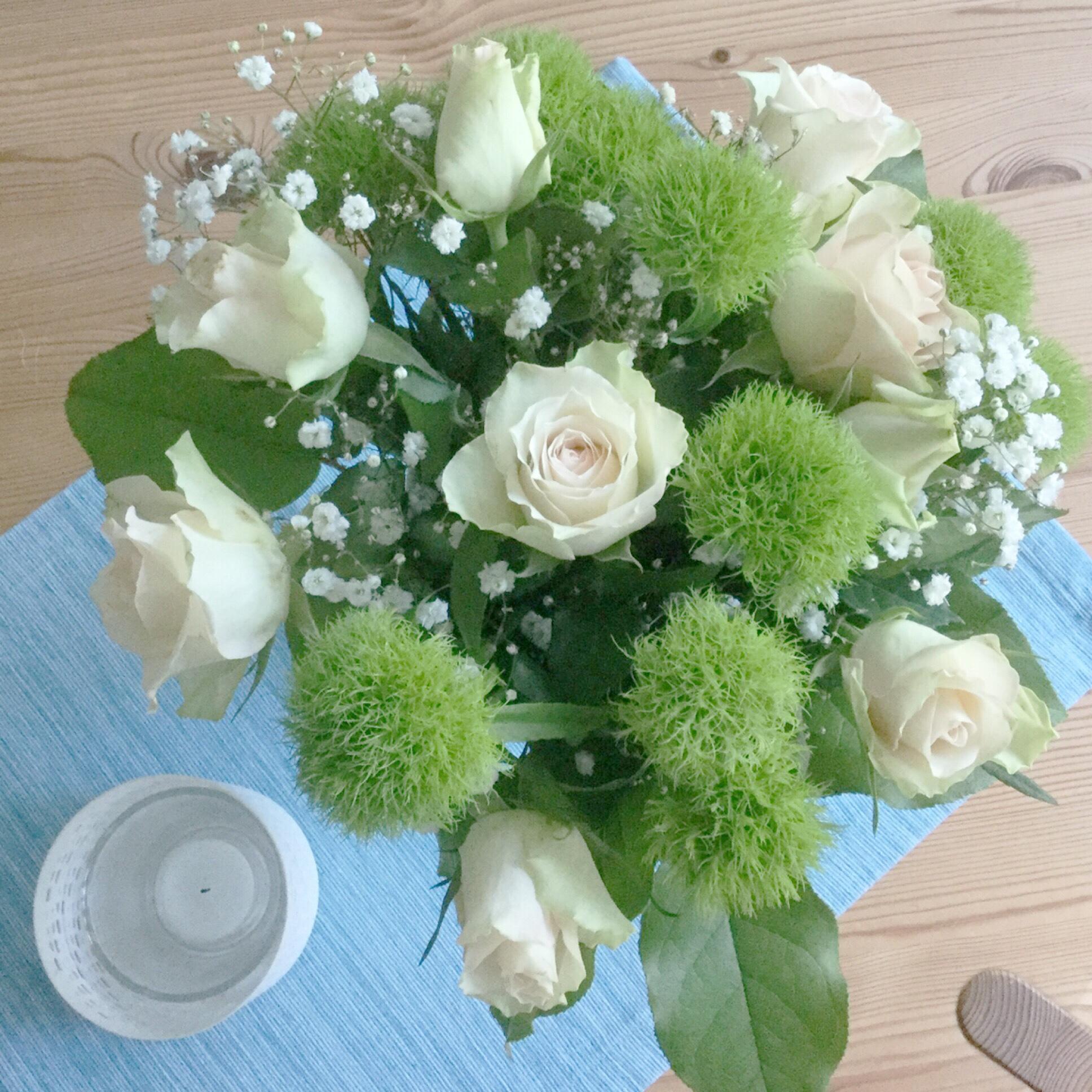 Friday-Flowerday – oder – Von Geburtstagsrosen und einem verregneten Tag