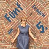 #fünffragenamfünften – oder – Fünf malLilamalerie