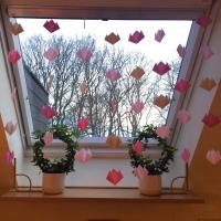 Frühlings- und Osterzeit: Kinderleichte Origamitulpen - oder - Für mich regnet's rosa Tulpen