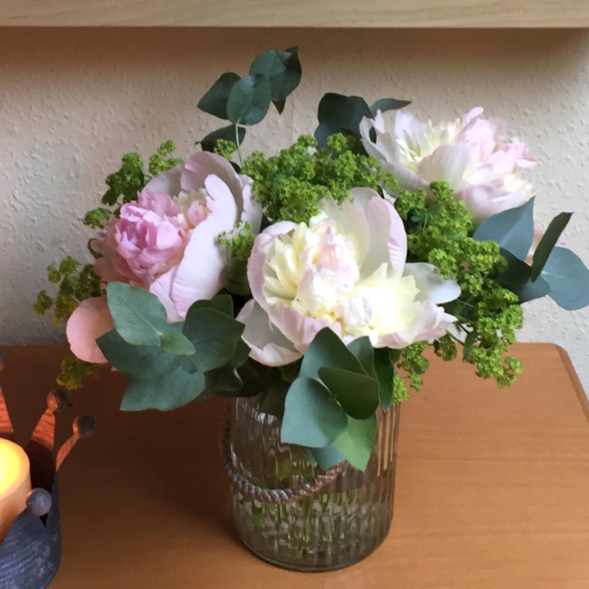 Friday-Flowerday – oder – Pfingstrosen, auf's Schönste erblüht