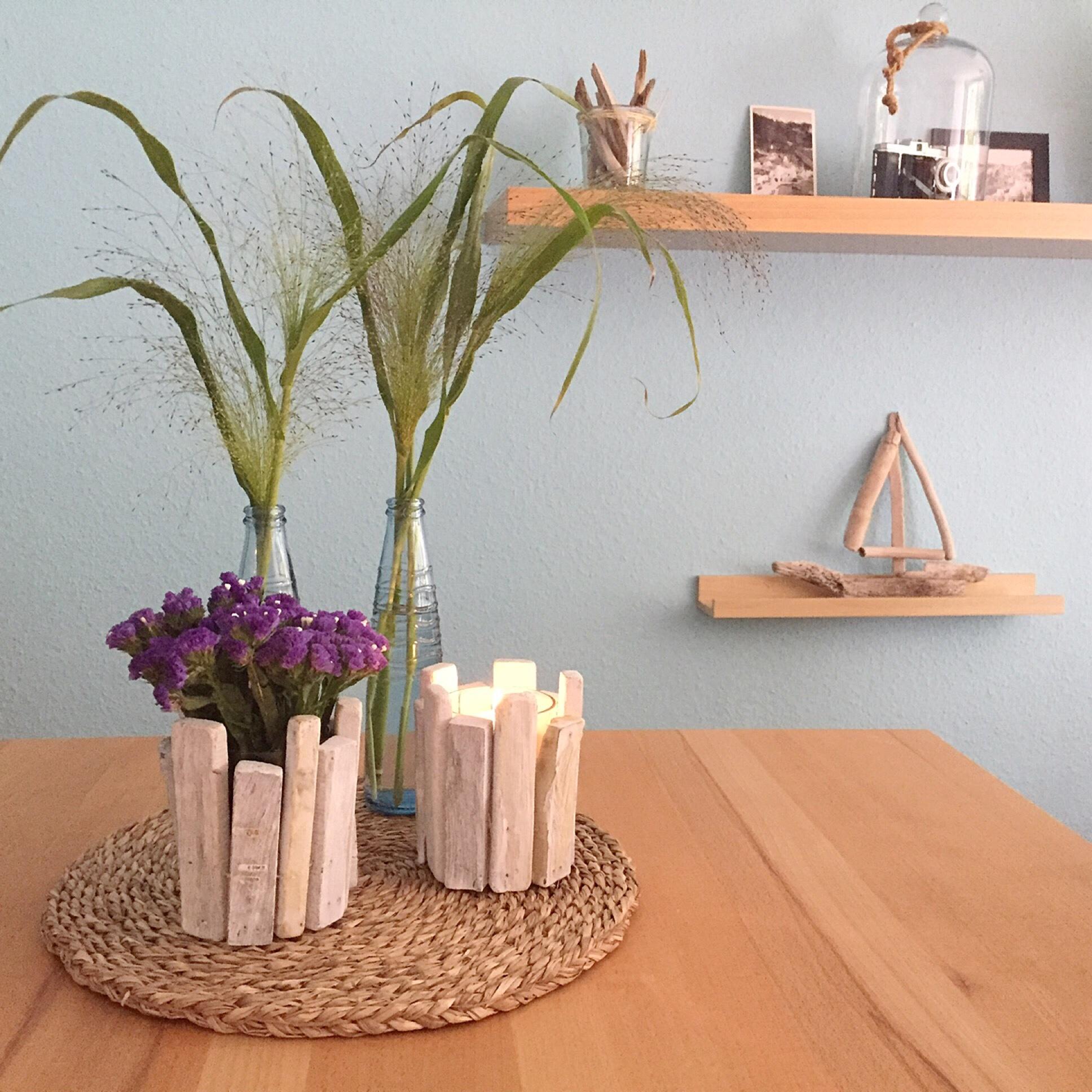 Friday-Flowerday – oder – Jetzt wird es maritim: Strandflieder und Gräser