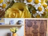 Von Delfter Kacheln aus Papier und gelben Rosen – oder – Blau und Gelbdekoriert