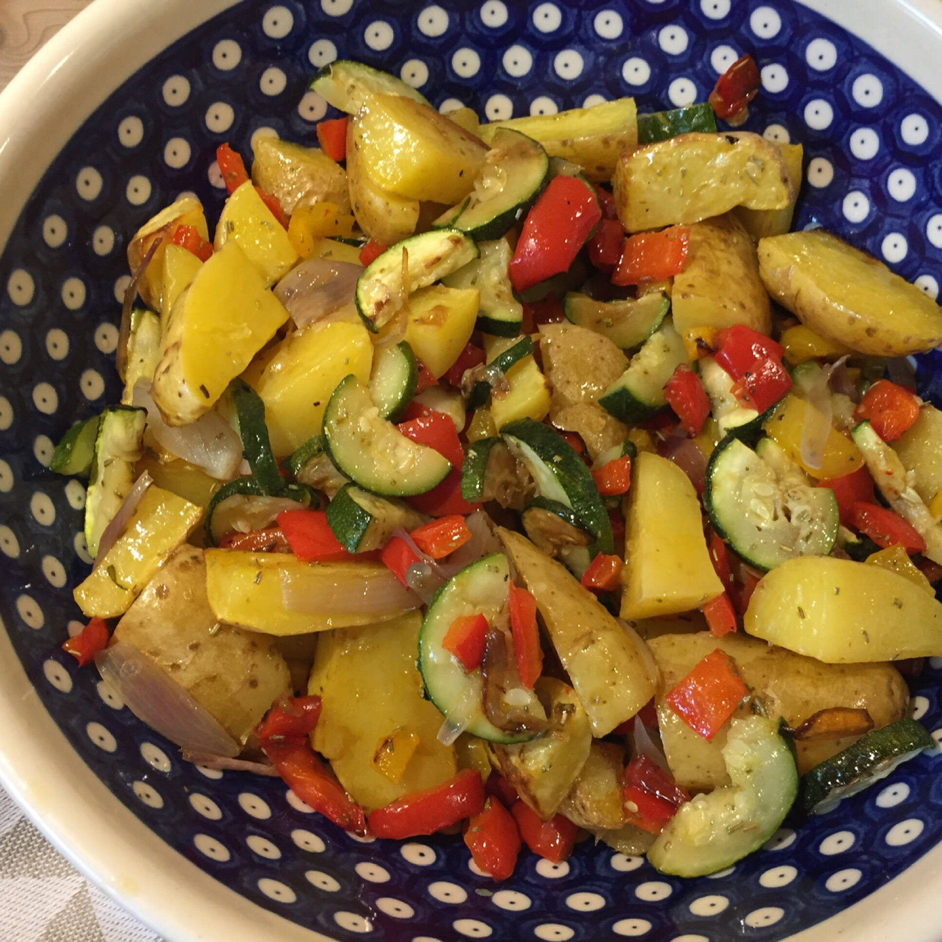 In the summertime: Salate zum Sattessen – oder – Mediterraner Ofengemüse-Salat