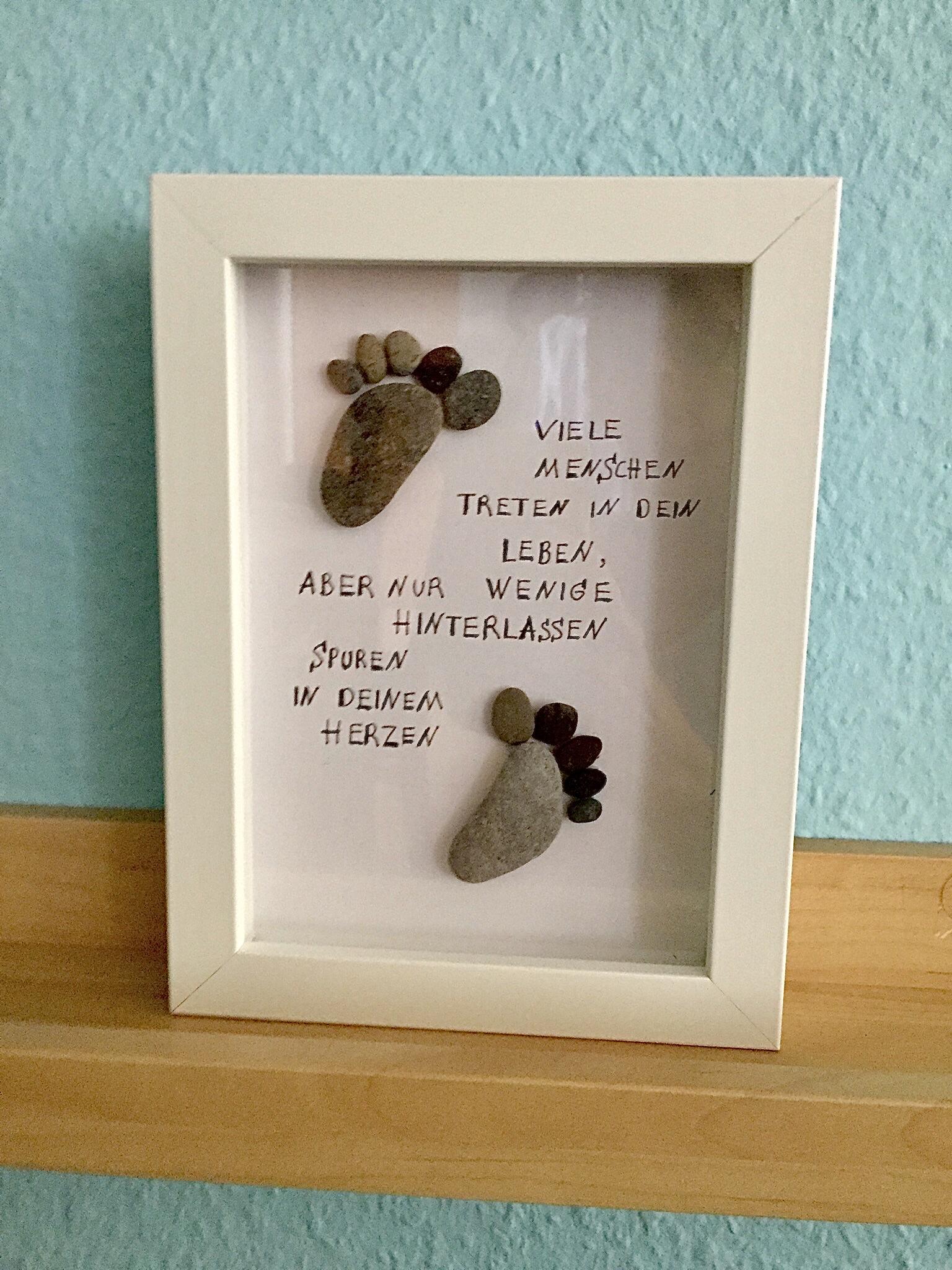 Basteln mit Steinen: Gerahmte Botschaft – oder – Von der Natur geschenkt: Steinbilder