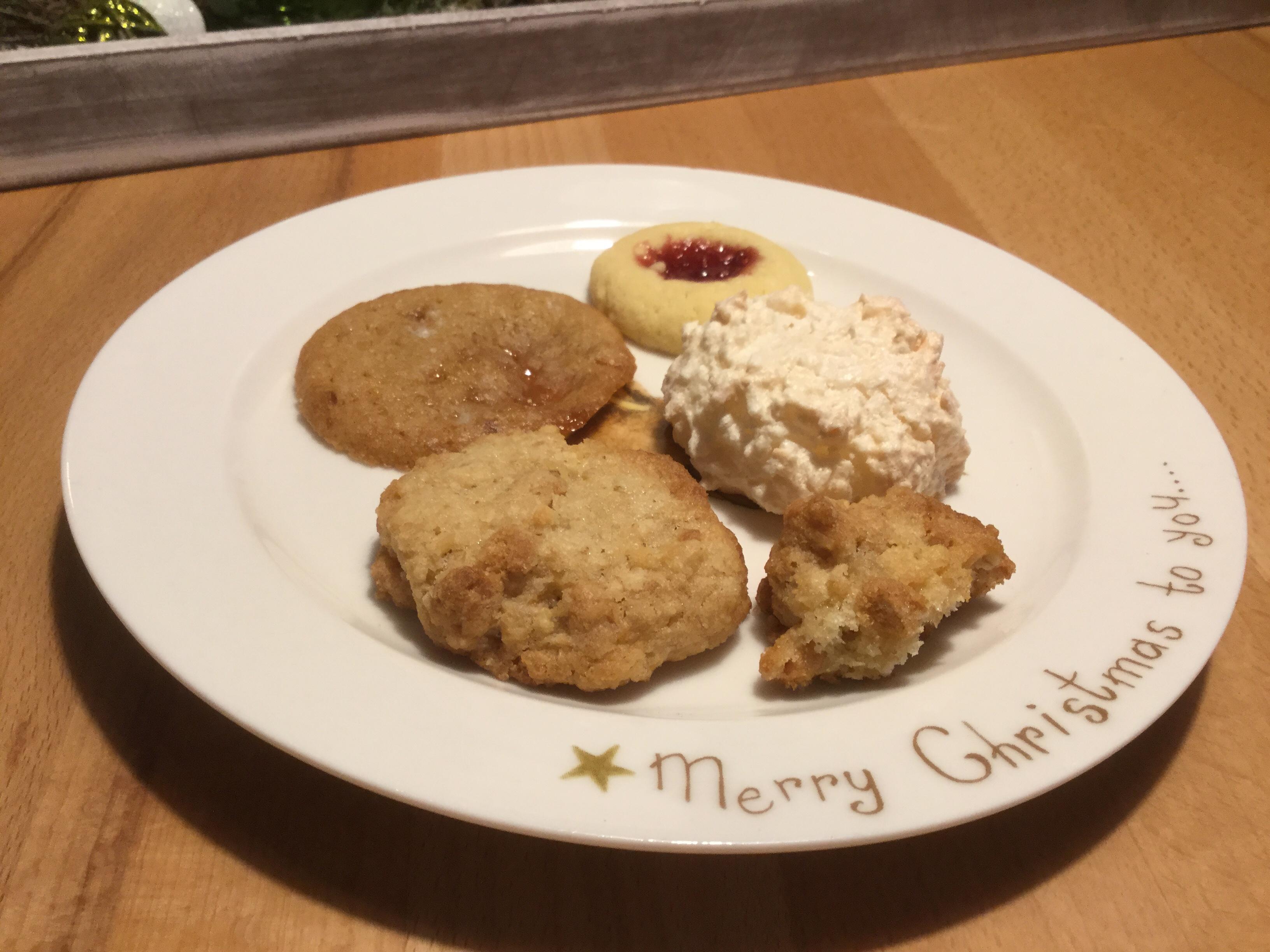 Weihnachtszeit bei Lilamalerie #2 – oder – Weihnachtsbäckerei: Ingwerknusperle