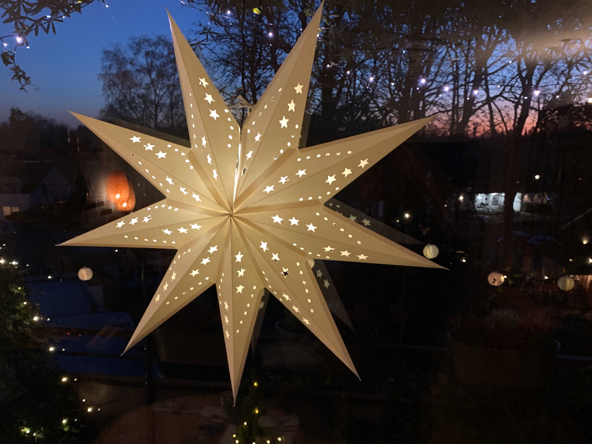 Weihnachtszeit bei Lilamalerie #11 – oder – Ein leuchtender Gruß