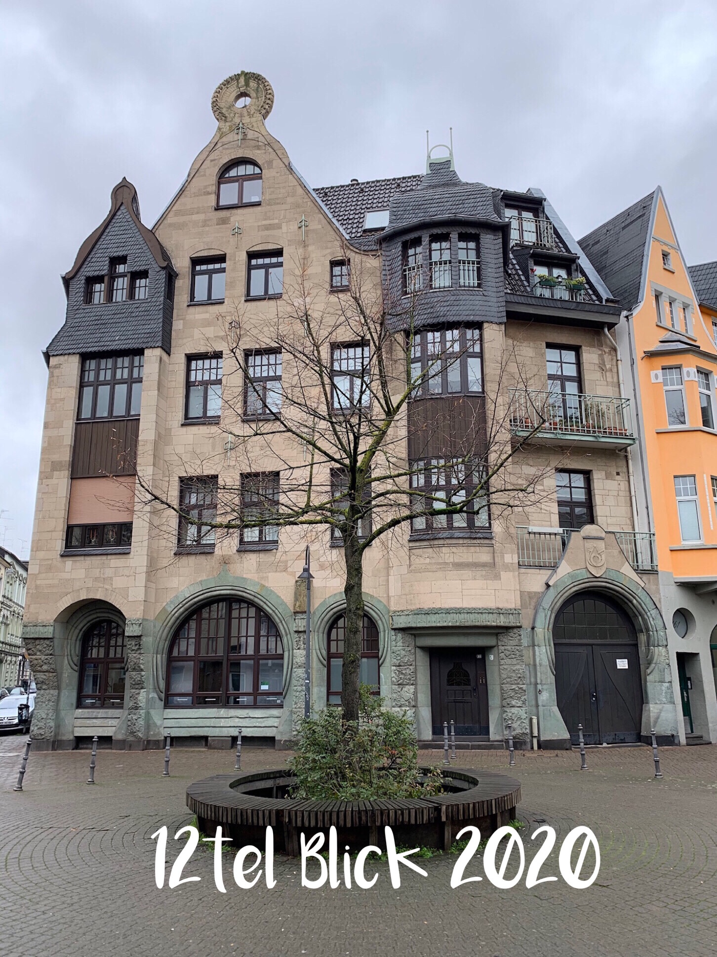 12tel Blick im Januar 2020 – oder – Alte Post in Krefeld