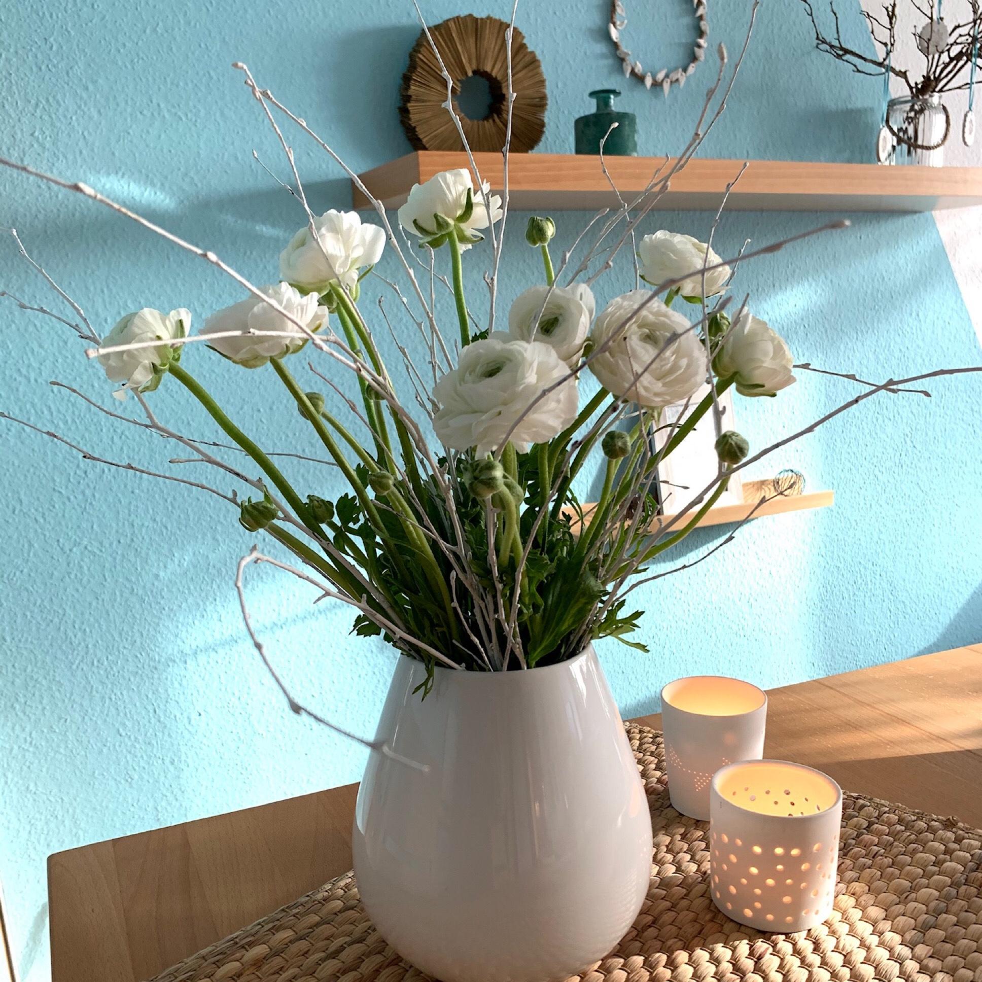 Friday-Flowerday – oder – Heute Ton in Ton: Weiß