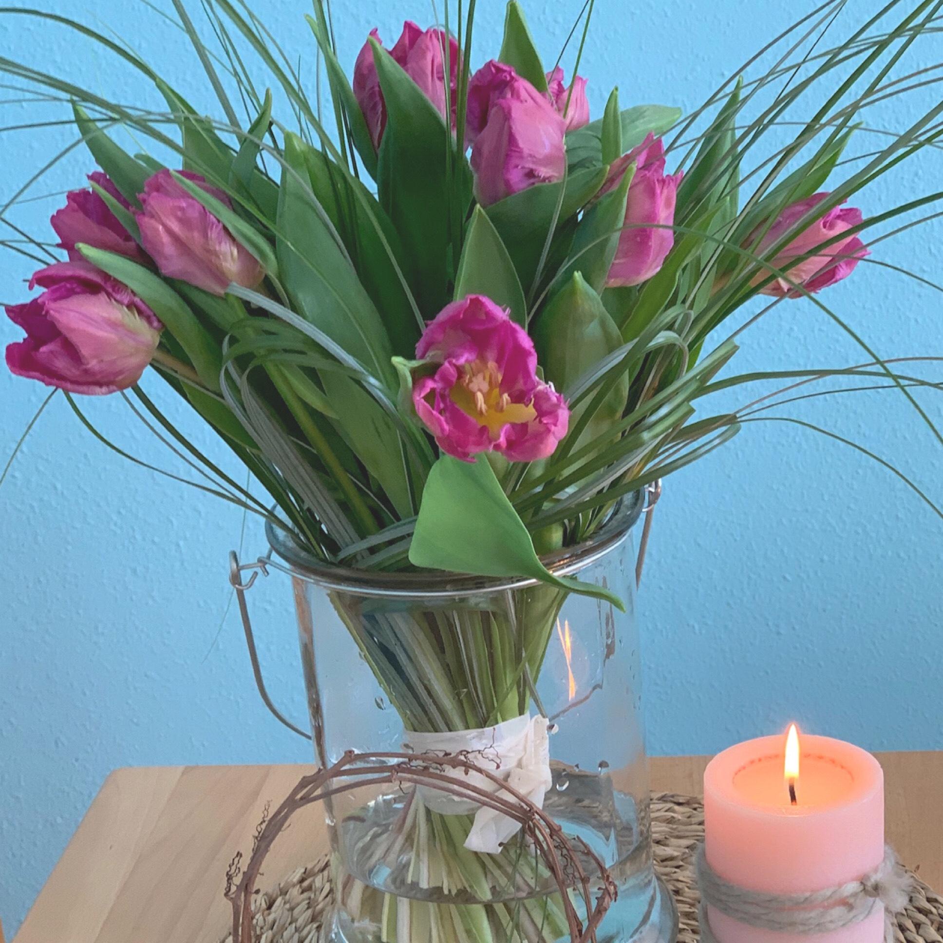 Friday-Flowerday – oder – Besondere Tulpen in besonderen Zeiten