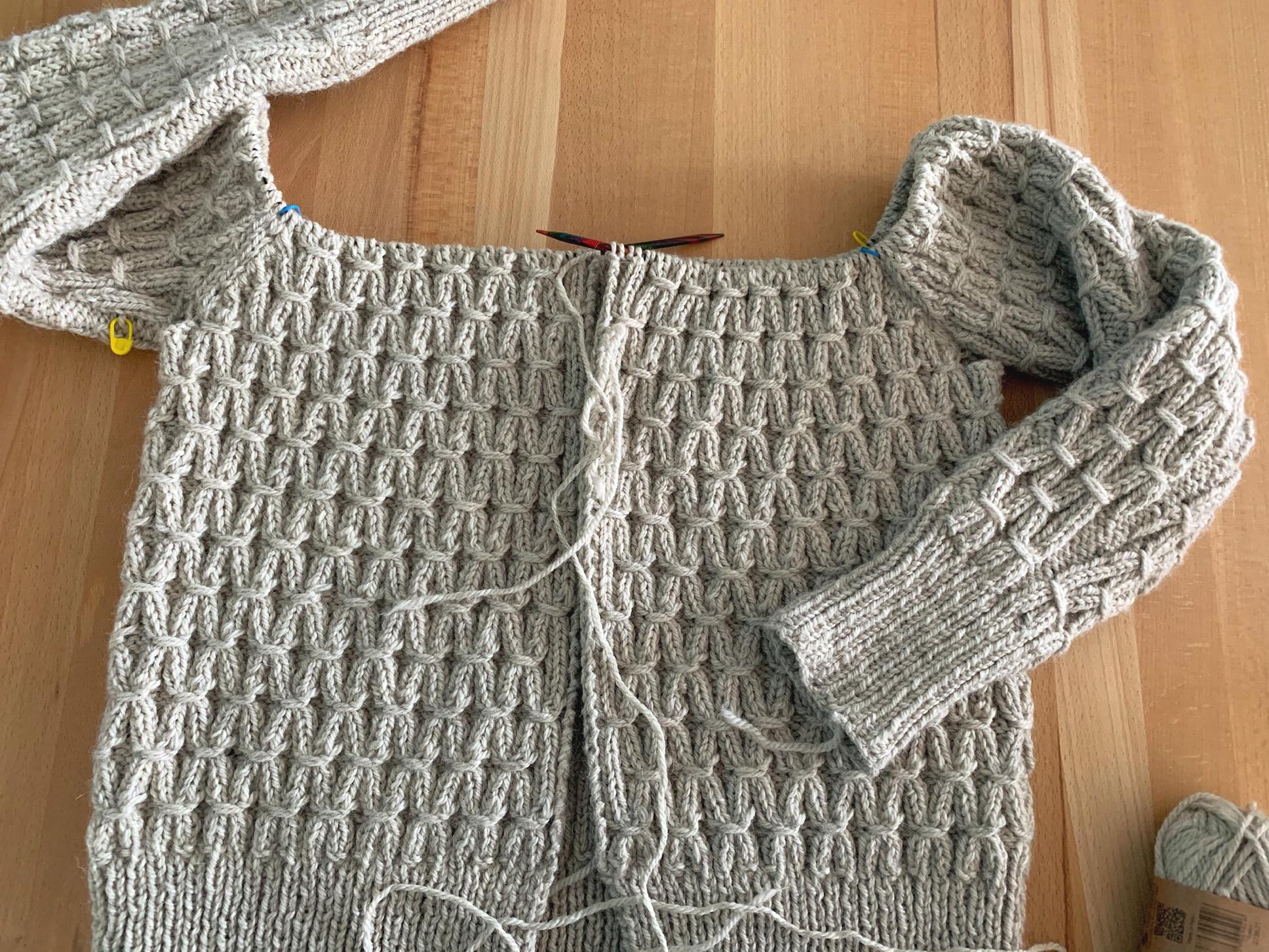 Auf den Nadeln: Die Jenny-Jacke – oder – 460 Maschen und 650g