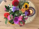 Friday-Flowerday – oder – Ein Strauß wie aus demBauerngarten