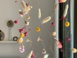 Blütenmobile – oder – Noch eine Idee ausTrockenblumen
