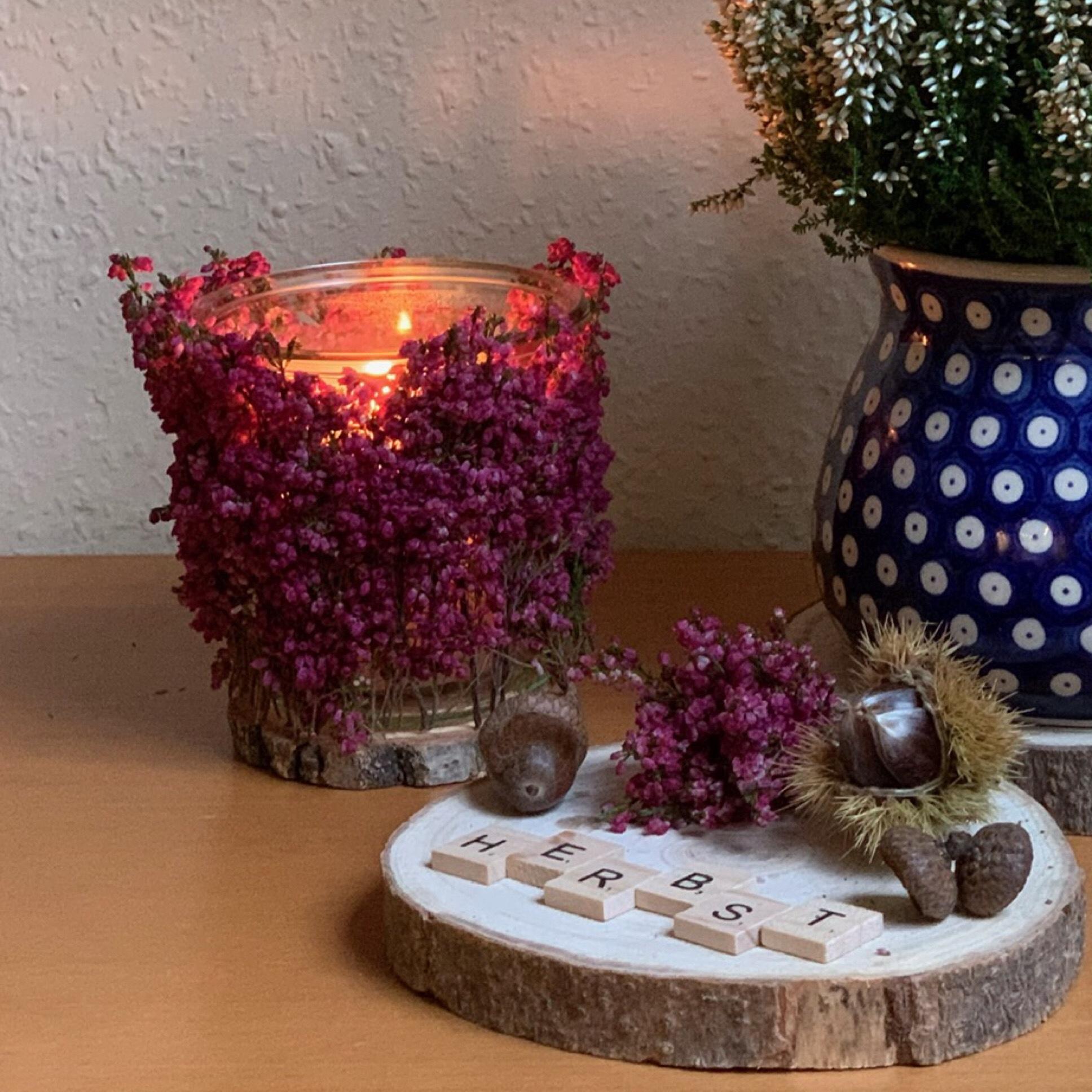 Immer wieder schön: Erika im Kerzenschein – oder – Leuchtender Herbst